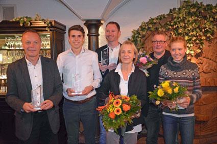 v.li.) Günter Zahn (Trainer des Jahres); Patrick Karl (GRR Nachwuchs Preisträger; Charlotte Teske (GRR Award für ihr Lebenswerk Weltklasse-Marathon-Frau); Sahra Kistner (GRR Nachwuchs-Preisträgerin).