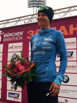 Tina Fischl, Siegerin über die 10km-Strecke der Frauen