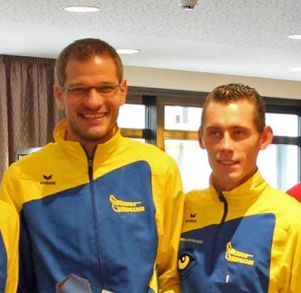 Marathon und Halbmarathon fest in LG - Hand. (v.li.) Marco Bscheidl, Sieger im Marathon, und Tobias Schreindl, der Halbmarathon-Sieger